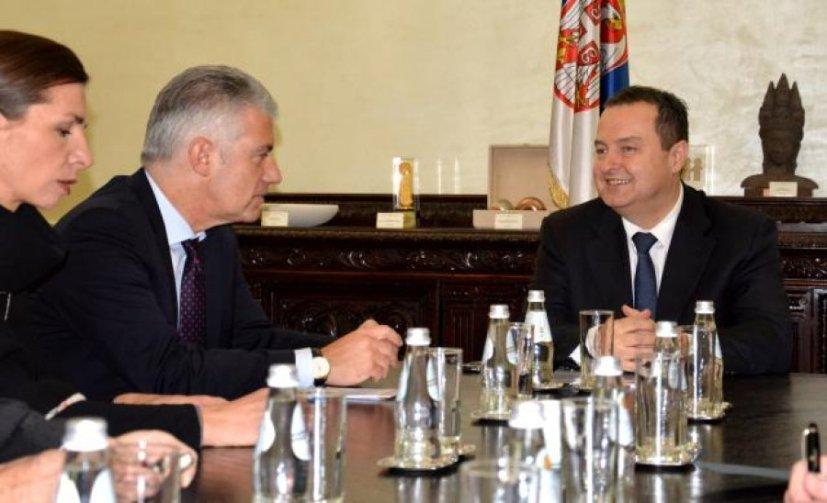 Рајхел са Дачићем у Београду, октобра прошле године. Тада се срео и са Ђурићем и Вучићем. Сви су били задовољни састанком