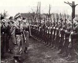 Адолф ХИТЛЕР у посети НДХовом концентрационом логору Јадовно 1941.