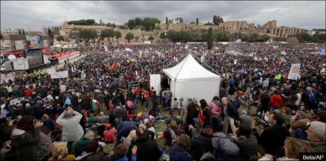 """ИТАЛИЈА: ПРОТЕСТИ У РИМУ – Десетине хиљада против """"геј бракова"""""""