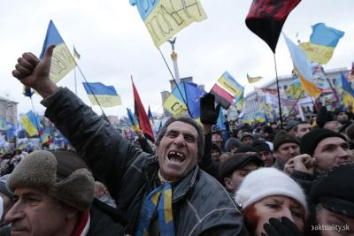 ukrajina_protest_dav_ludia_8_dec_2013_sita