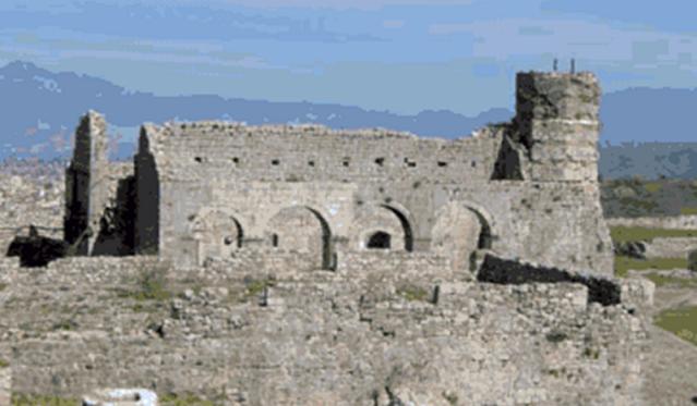 Црква Светог Стефана подигнута почетком 14 века налази се усредишњем делу тврђаве