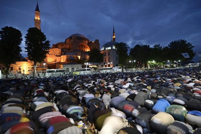 erdogan-muslim-worshipers