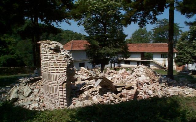 Срушен црква у Мушутишту