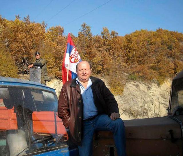 Репортер Сведока Драгољуб Гајевић на барикади код  Јагњенице, Косово и Метохија, Србија