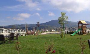 resort2-300x180