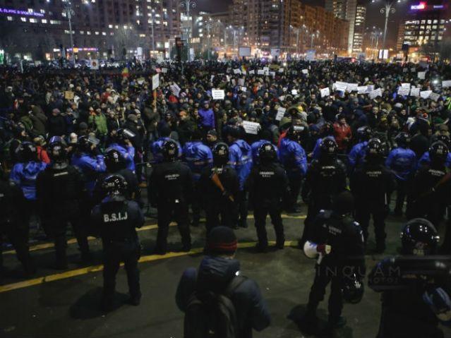Масовни протести у Букурешту (Фото: Inquam Photos / George Călin)