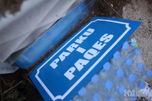 """Уклањање барикада и инсталирање такозваног """"Парка мира"""" о људи који је вучић именовао, представљало је почетак новог страдња и неизвесности за Србе на северу Косова и Метохије."""