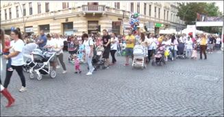 ОВО ЈЕ ПАРАДА ПОНОСА: Шабчани са својом дечицом на улицама града – ЛЕПОТА!