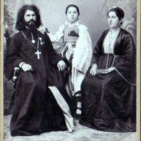 Срамота! КРАДУ ФОТОГРАФИЈЕ - Ћерку проте Стеве Димитријевића шиптари приказују као албанску католичку девојчицу?!