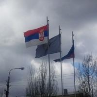 Застава Србије у Луганску, само 14 км од Славјаносербска који је на линији фронта