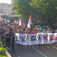 Децу вам не дамо! - Протестна шетња/литија кроз Београд (уживо)