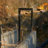 """Инвеститор месецима гради малу хидроелектрану без грађевинске дозволе, инспекција """"благонаклона"""" (ВИДЕО)"""
